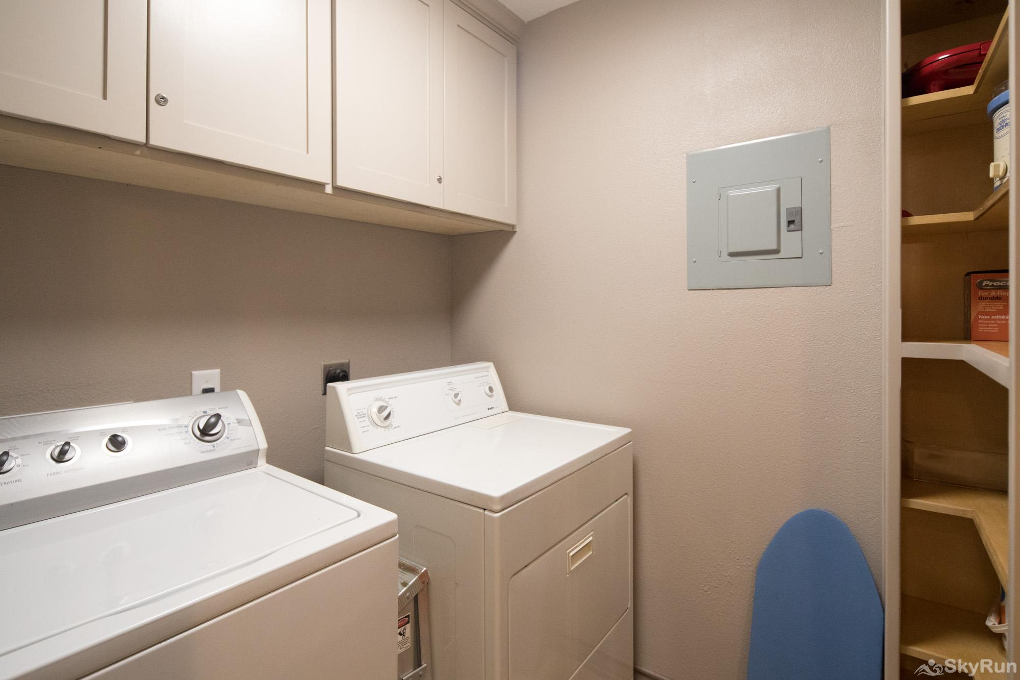 DUKE'S HORSESHOE HOUSE Washer and Dryer Available for Guest Use