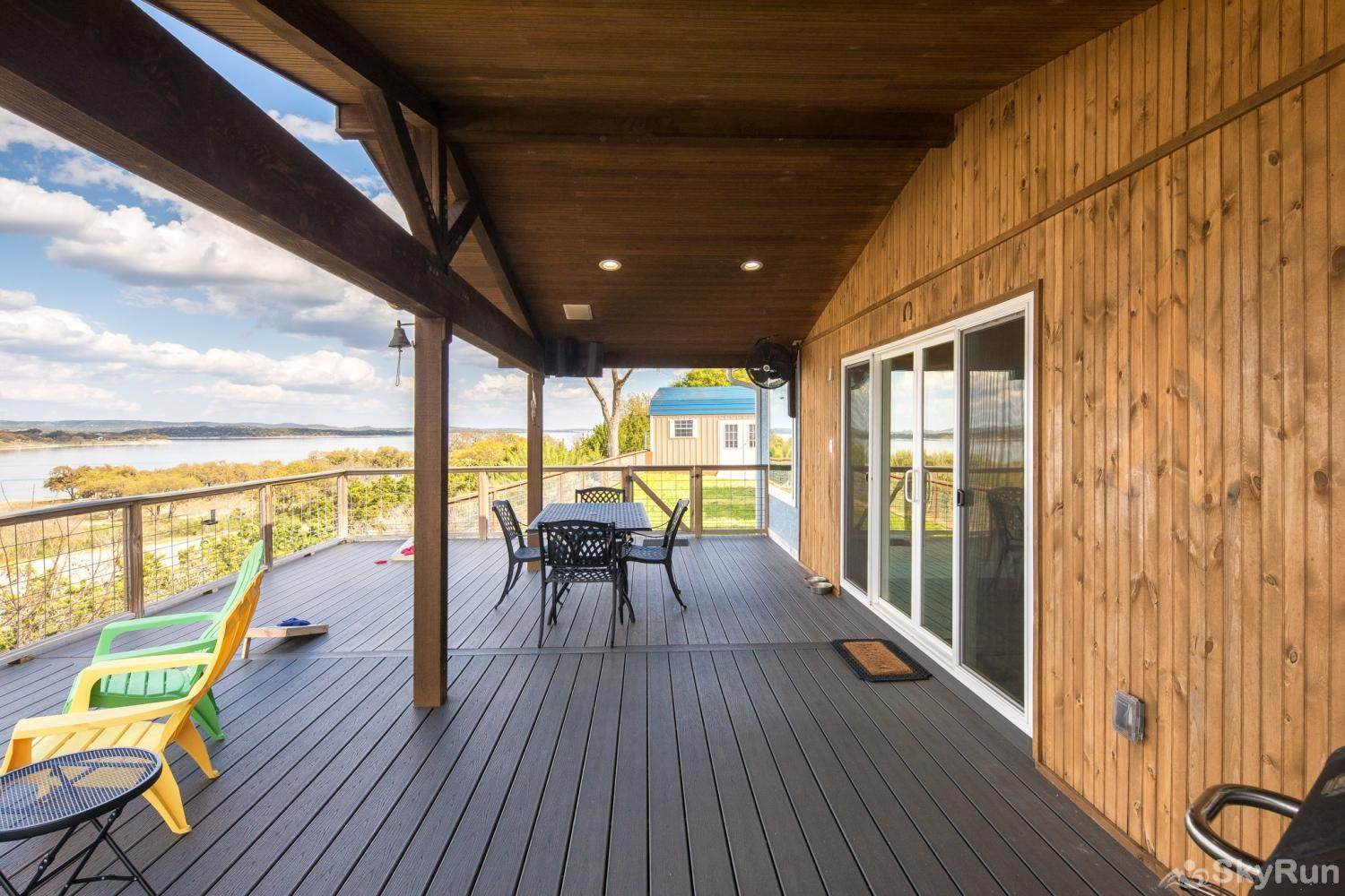 LEDGEROCK POINTE 180 degree sweeping lake views from the deck