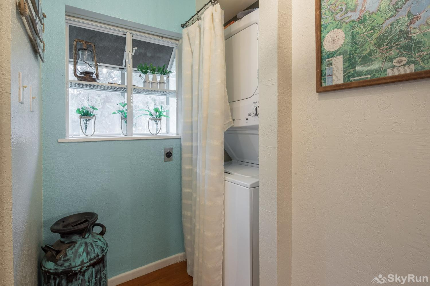 WATERFRONT GRACE Washer and dryer available for guest use